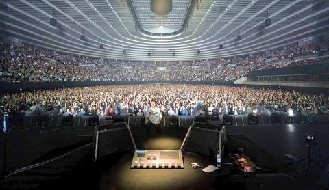 エド・シーランさん、阪神のユニフォームでライブをした模様