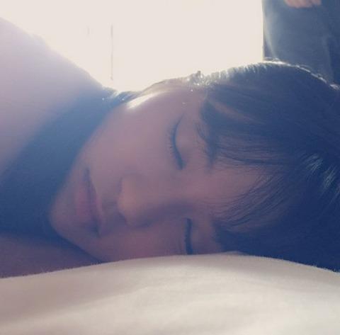 小島瑠璃子の寝顔が天使すぎだと話題に