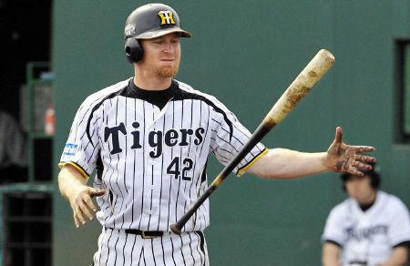 【悲報】阪神の新助っ人・ゴメス 打撃投手のまっすぐに対応できず
