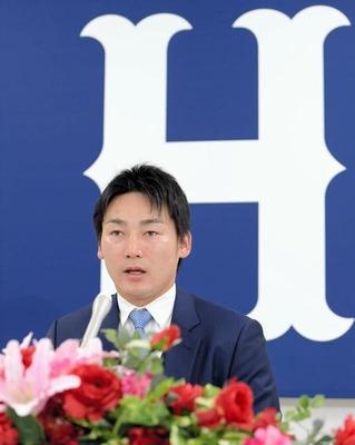 広島 丸、7000万アップの2億1000万円で更改  単年契約
