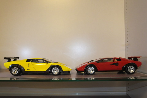 kyosho-countach-comparison2