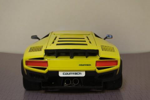 countach-il-LD-rear1