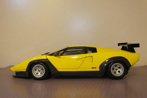 countach-il-SW-side1