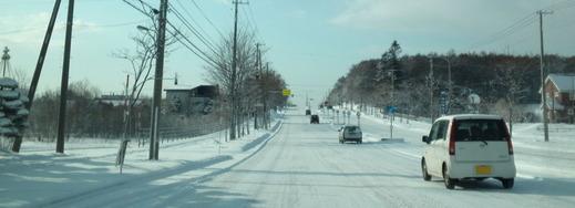 雪道で意外と怖い4WD車
