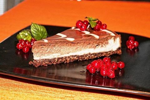 food-1283885_640