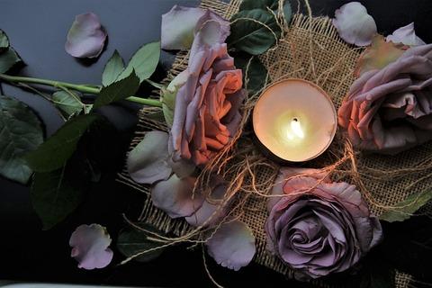 candle-4587072_640