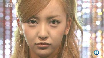 板野友美そっくりに顔面改造する費用wwwwww