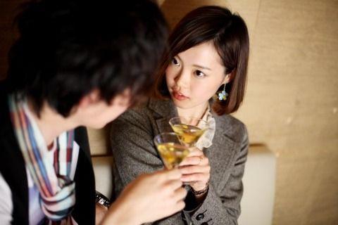 【愕然】職場のオバチャン(29)「ほら、藤田くんも飲みなよ」新卒俺「酒弱くて飲めないんです」オバチャン「もしものときは私が面倒見るから」→ 結果wwwwww