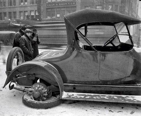 retro_vintage_car_accidents_640_08