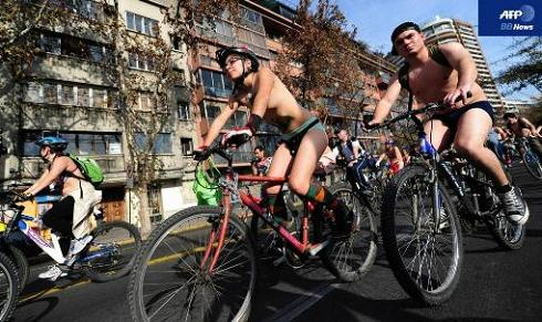 World Naked Bike Ride_10