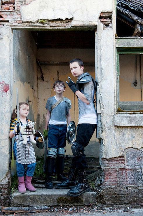 Zombie-hunter-family-photos-12