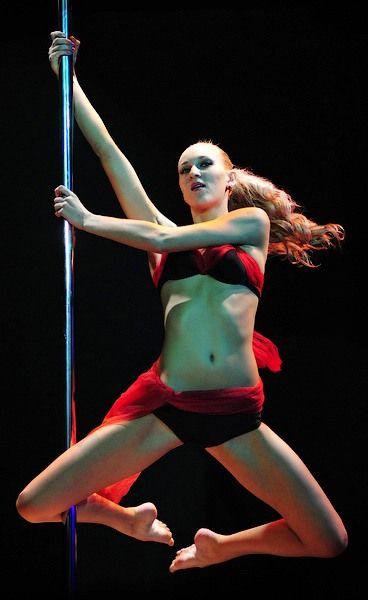 Pole Dance07