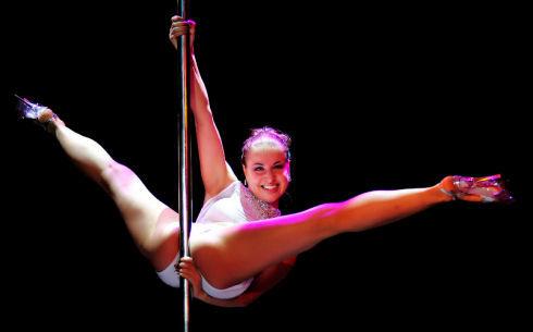 Pole Dance02