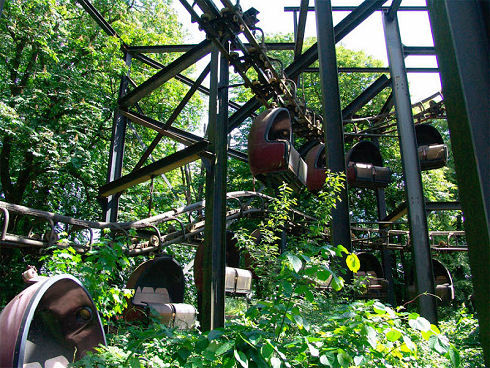 Surreal Abandoned Amusement Park in Berlin 06