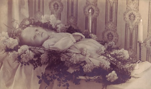 Post-mortem photography 13