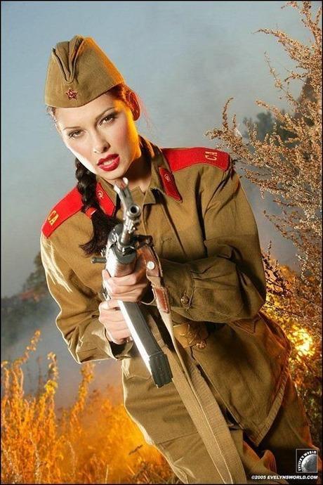 gun and woman_07