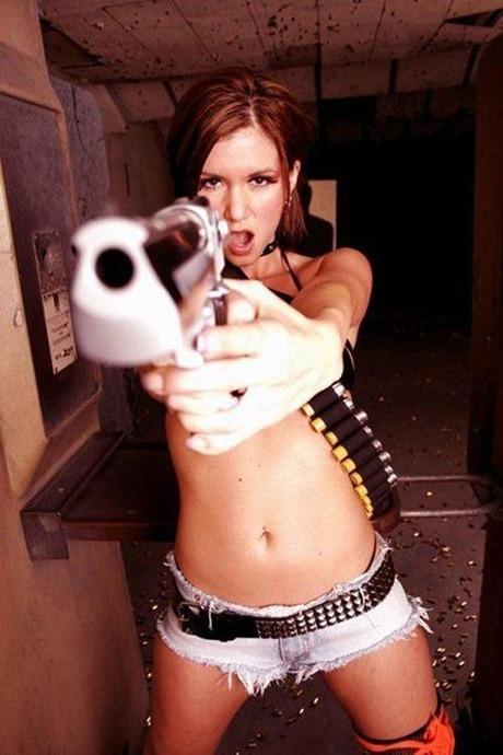 gun and woman_30