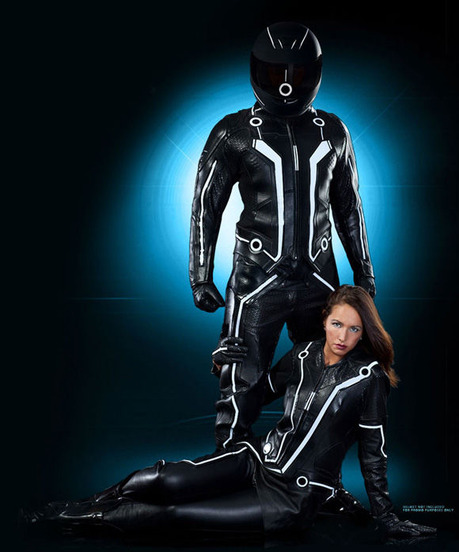 Tron-Legacy-Official-Replica-Light-Bike-Suits