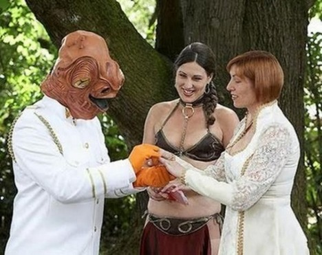 World_s_Best_Bizarre_Funny_Wedding_Photos_24