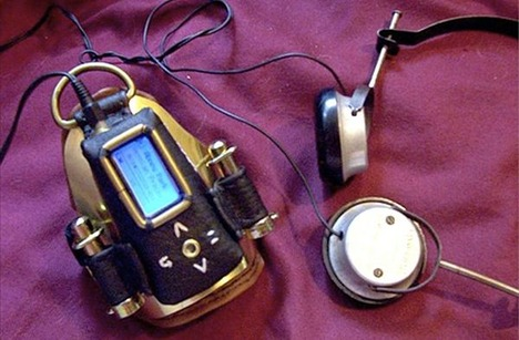 fantastic-collection-of-modern-devices-steampunked15