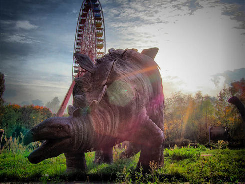 Surreal Abandoned Amusement Park in Berlin 11