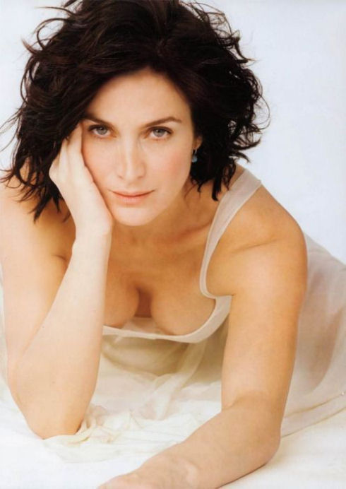 awesome_views_of_celebrity_decolletage_06