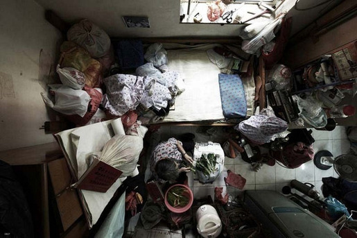 hong-kong-cubicle-dwellers-7