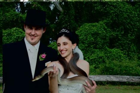 World_s_Best_Bizarre_Funny_Wedding_Photos_7