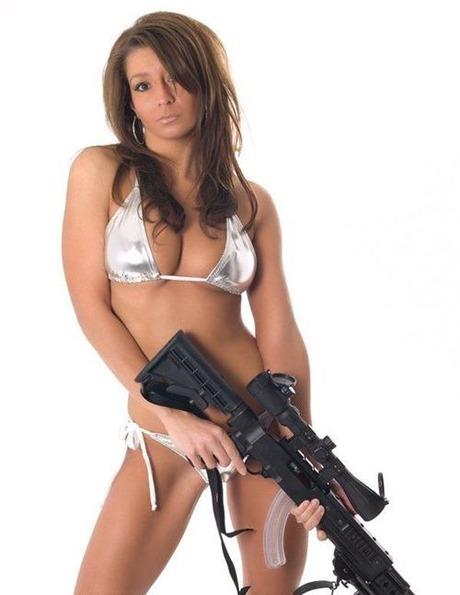 gun and woman_23