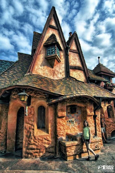 fairytales-houses-09