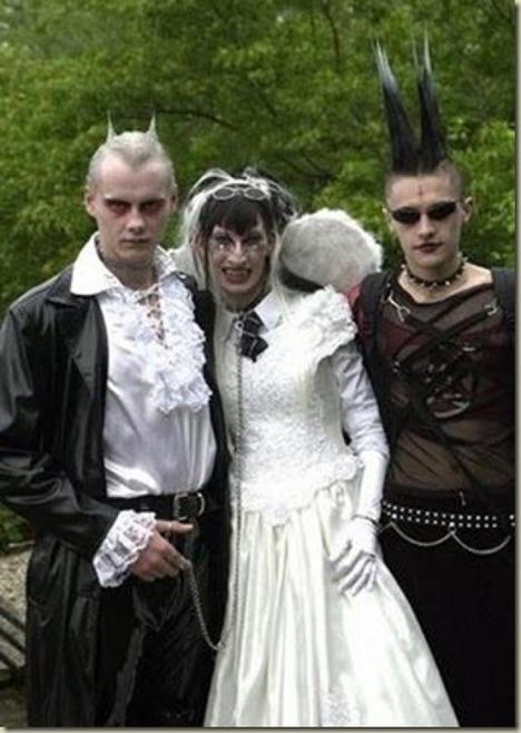 World_s_Best_Bizarre_Funny_Wedding_Photos_25