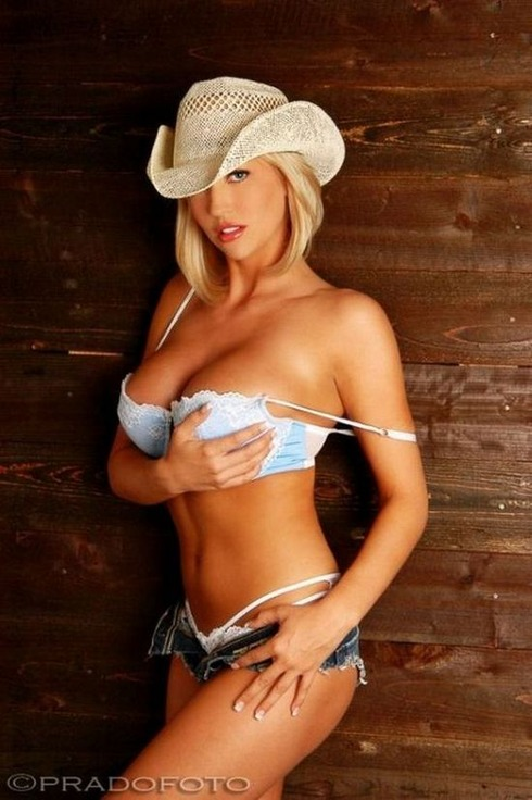 beautiful and-very-attractive-cowgirls36