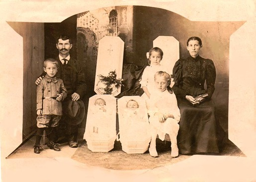 Post-mortem photography 15