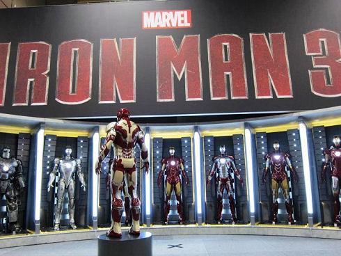 New-Iron-Man-3-Armor-At-Comic-Con-2