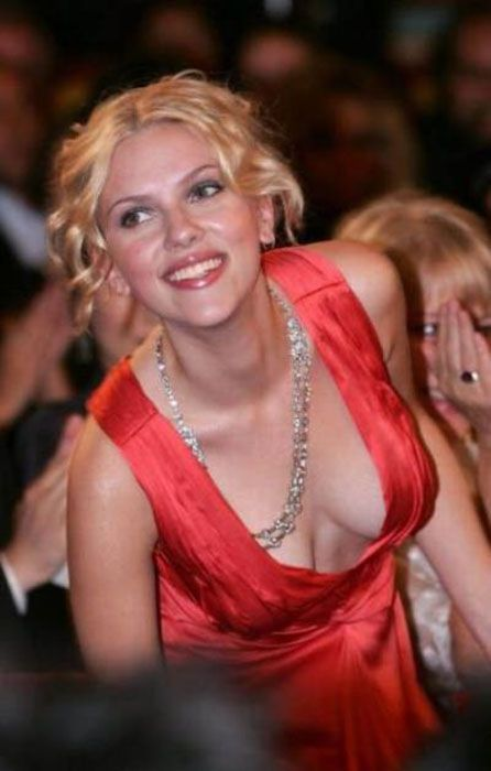 awesome_views_of_celebrity_decolletage_34