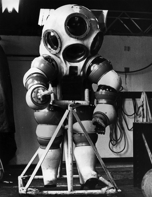 History of Diving Suits 32