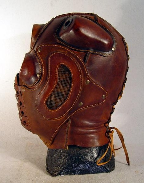 steampunk-lord-red-mask-opposite