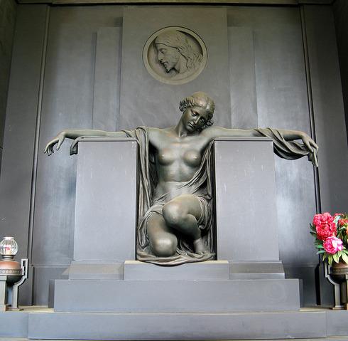 Cimitero monumentale di Staglieno 10