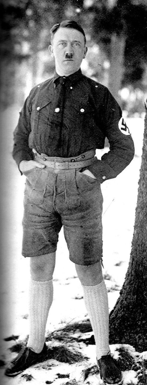 Hitler in Shorts 03
