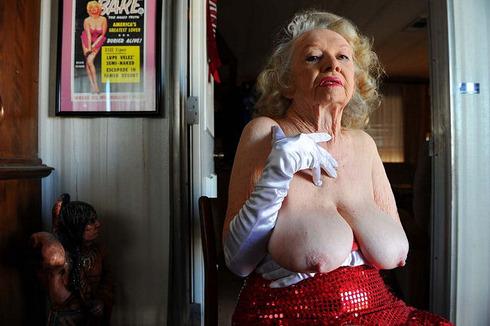 striptease15
