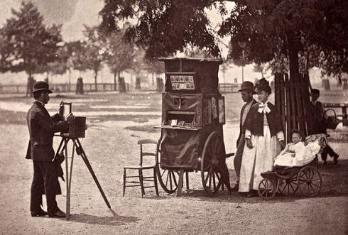 Photography-on-the-Common-Waiting-for-a-Hire