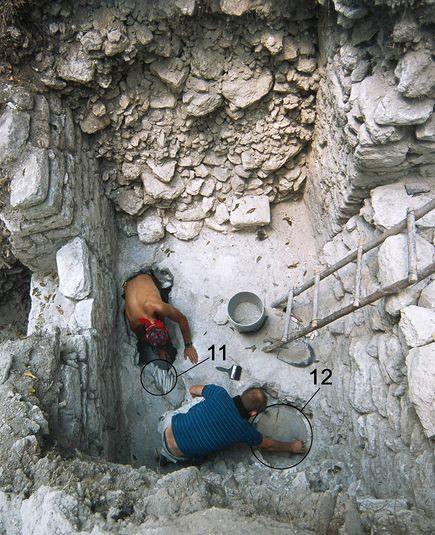 mayan-maize-god-pit_40667_big