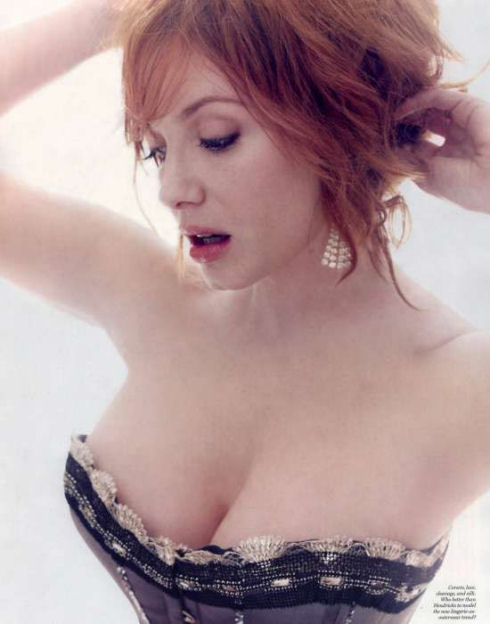 awesome_views_of_celebrity_decolletage_40