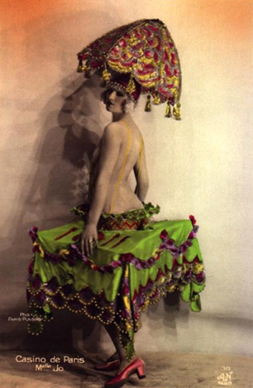 Dancers-of-the-Casino-de-Paris-19