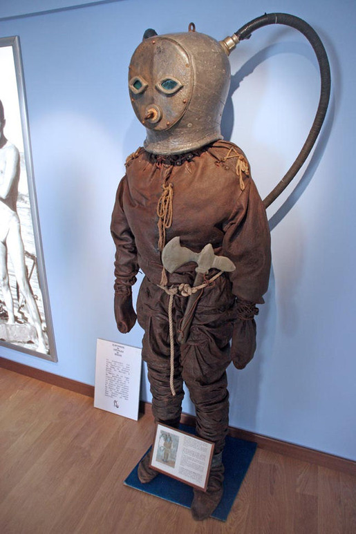 History of Diving Suits 04