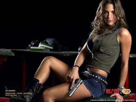 gun and woman_12