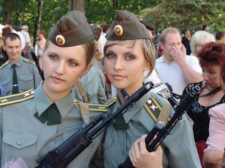 gun and woman_24