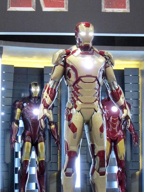 New-Iron-Man-3-Armor-At-Comic-Con