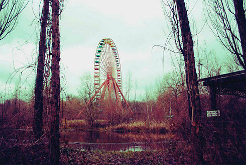 Surreal Abandoned Amusement Park in Berlin 03