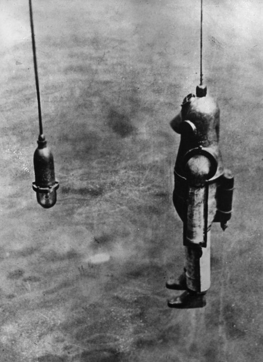 History of Diving Suits 16